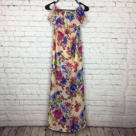 2cae28c05978e0 Forever 21 Dresses & Skirts - 3 FOR $18 SALE Forever 21   Strapless Floral  Dress